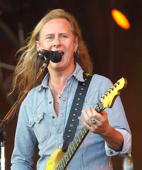 Jerry Cantrell - Wikiquote
