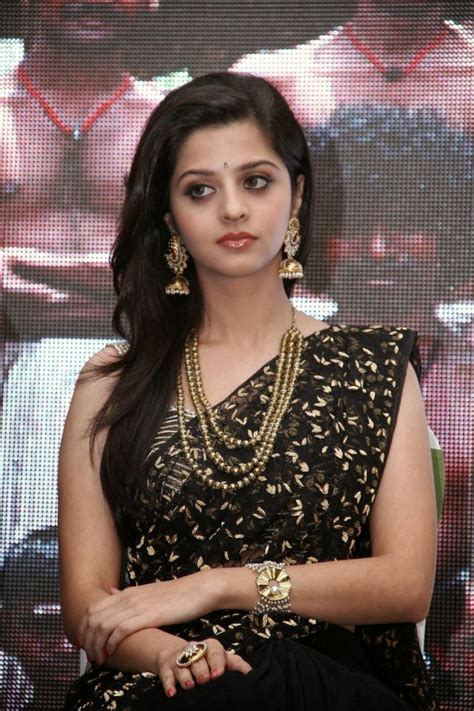 Actress Vedhika Kumar Age Wiki Height Weight Photo Images