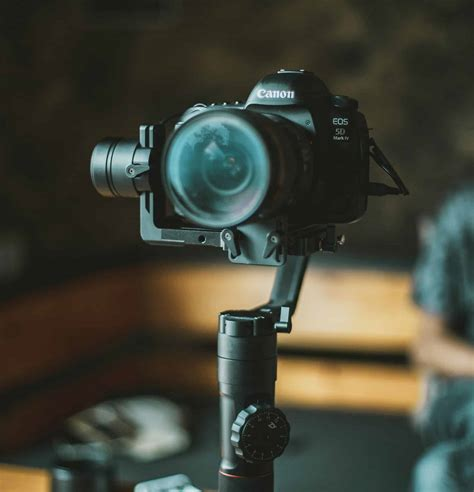 Share Your World With The Best Vlogging Camera Kits [2019