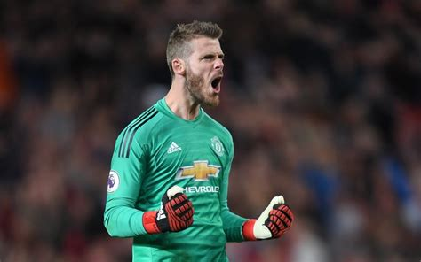 Football transfer news: Manchester United confident over